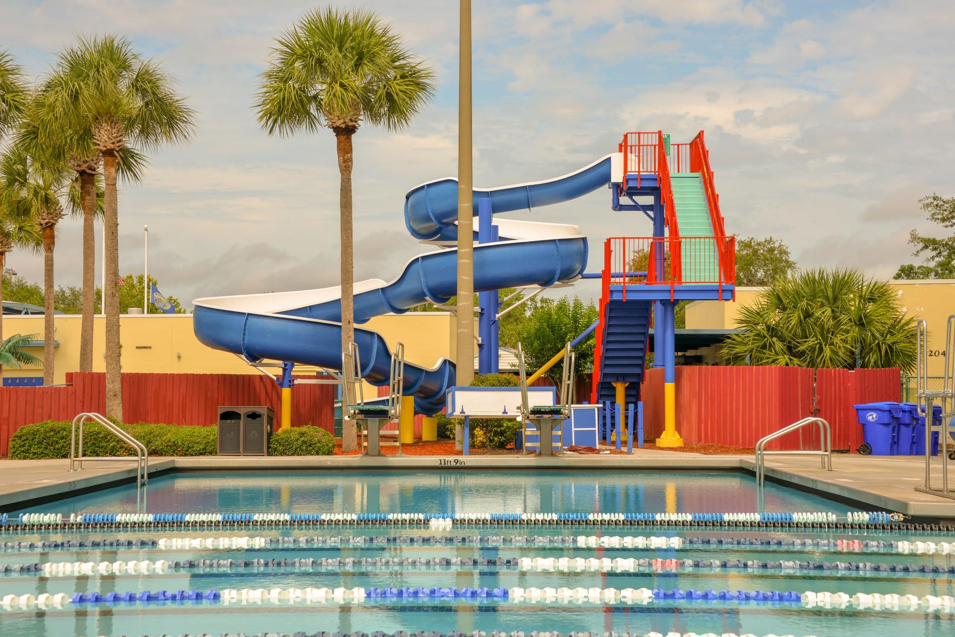 Bob Makinson Aquatic Center City of Kissimmee water slide