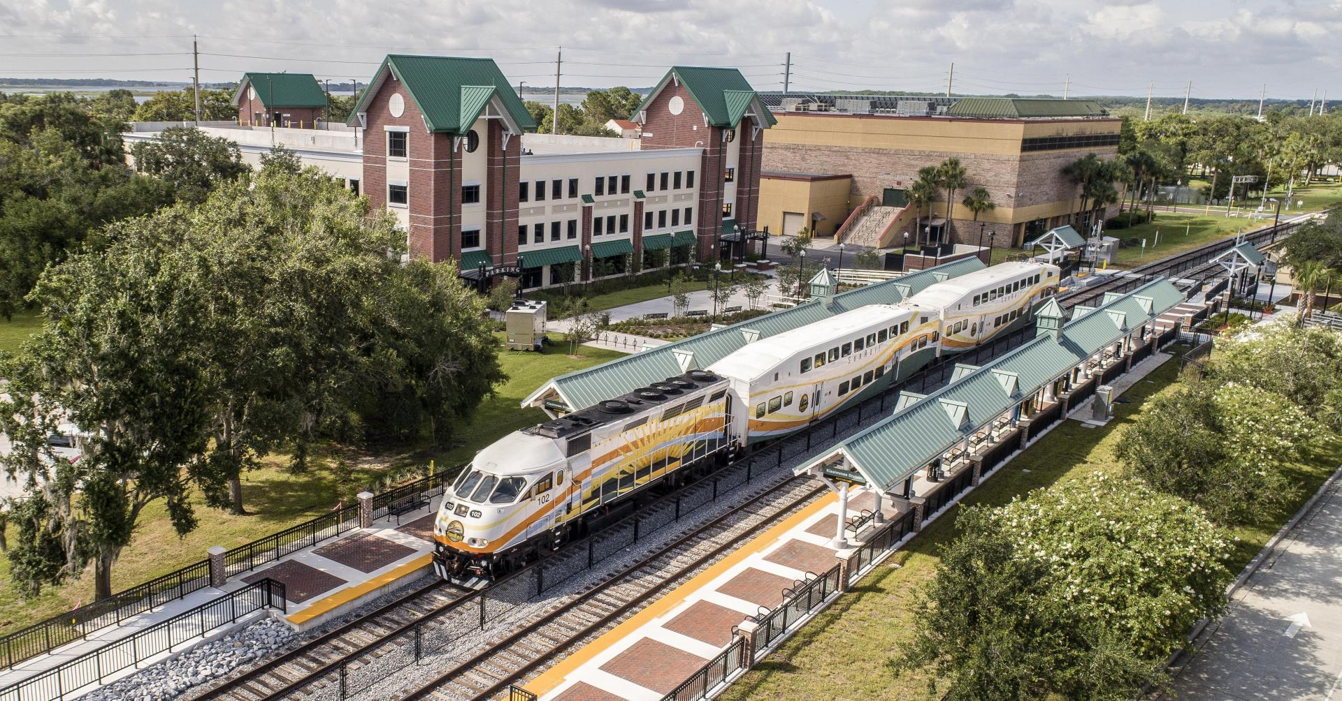 Downtown Kissimmee SunRail Station with train